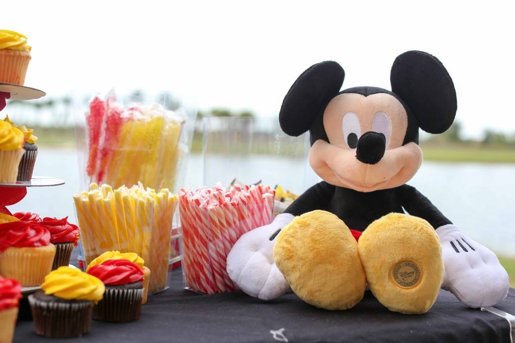 Desert table; candy buffet; kid parties; Mickey Mouse