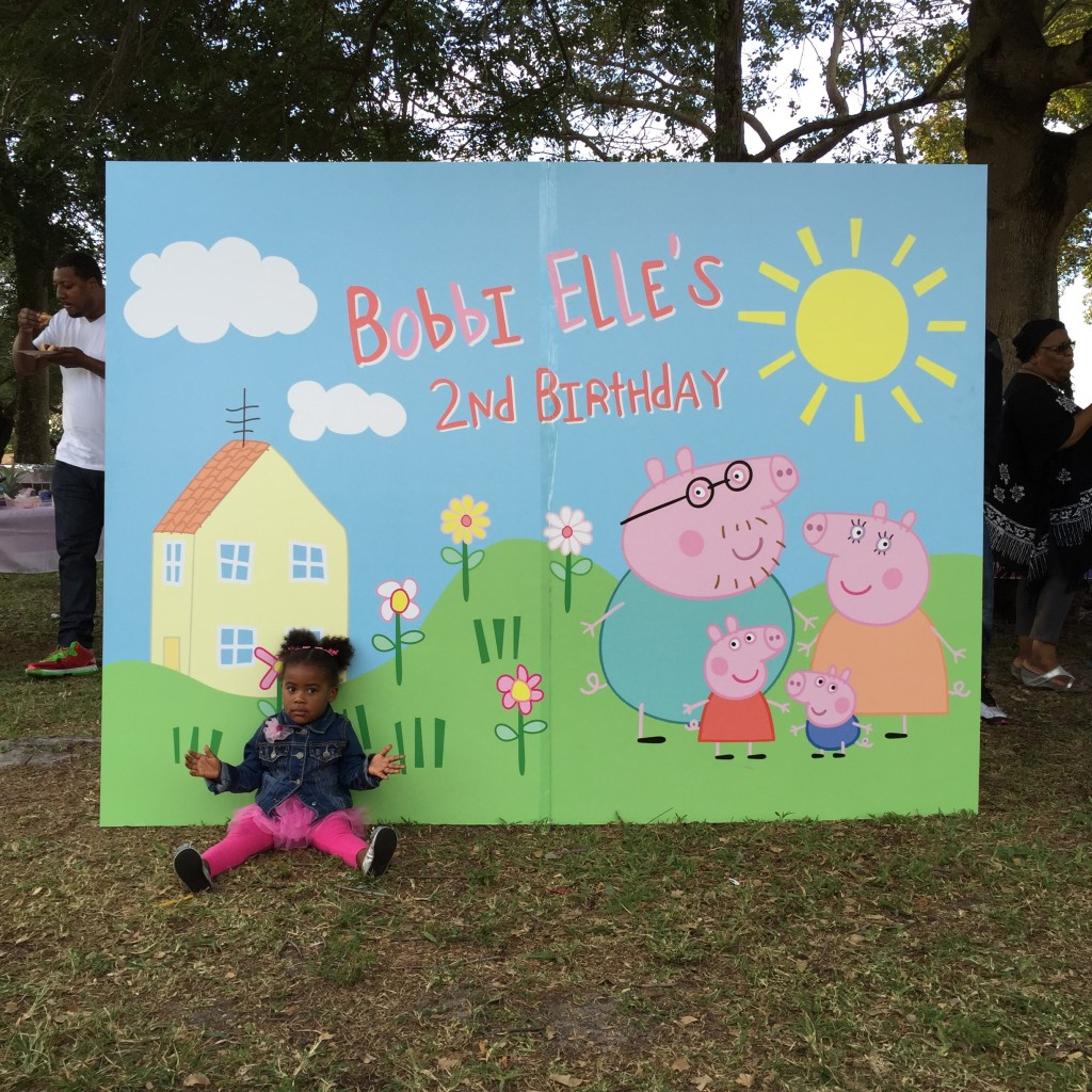 Peppa Pig birthday party backdrop.
