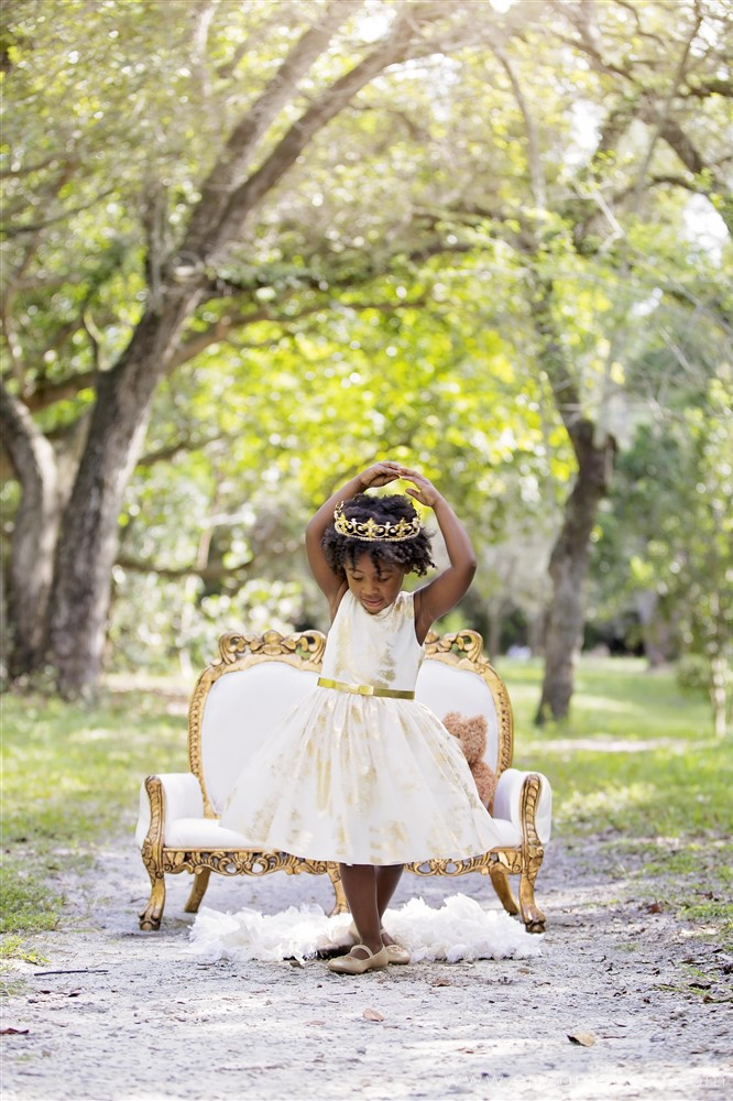 "Bobbi Elle ""Queen Bee"" 3rd birthday Photo Shoot"