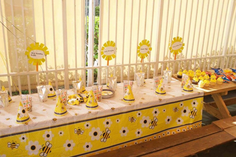 bumble bee school party