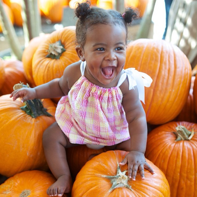 pumpkin patch photos; one balanced mama